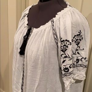 Lucky Brand Tops - Lucky Brand White Embroidered Top 2X